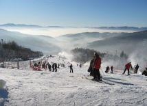 Stok narciarski na górze Żar